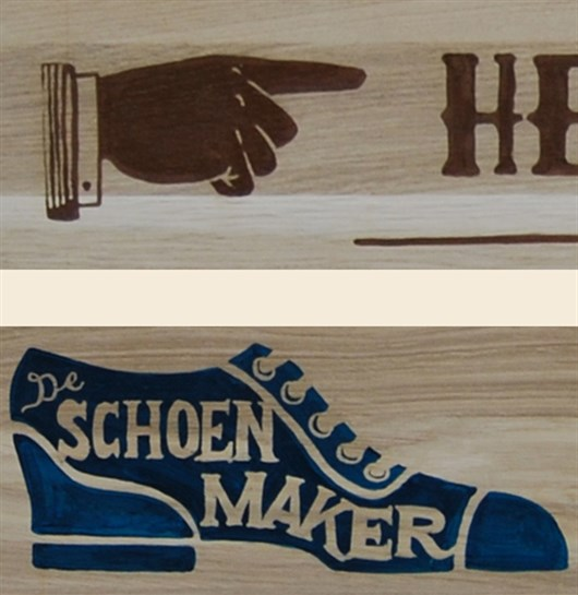 Support_The_Locals_-_De_Schoenmaker_Sign_Painting_op_hout_indexfinger_schoen_door_Shon_Price.jpg
